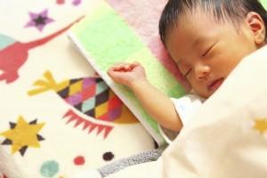 新生児寝ない夜